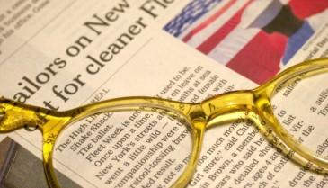 メガネ型ルーペ 作業用にピッタリなレンズで拡大・大きくできる 読書やパソコン使用時に