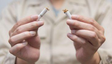 煙草の口臭対策!手でチェックしてケアする方法 タールやニコチンは意外と厄介!